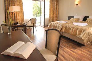 Doppelzimmer (1) (2)