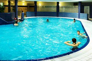 Schwimmbad (1)